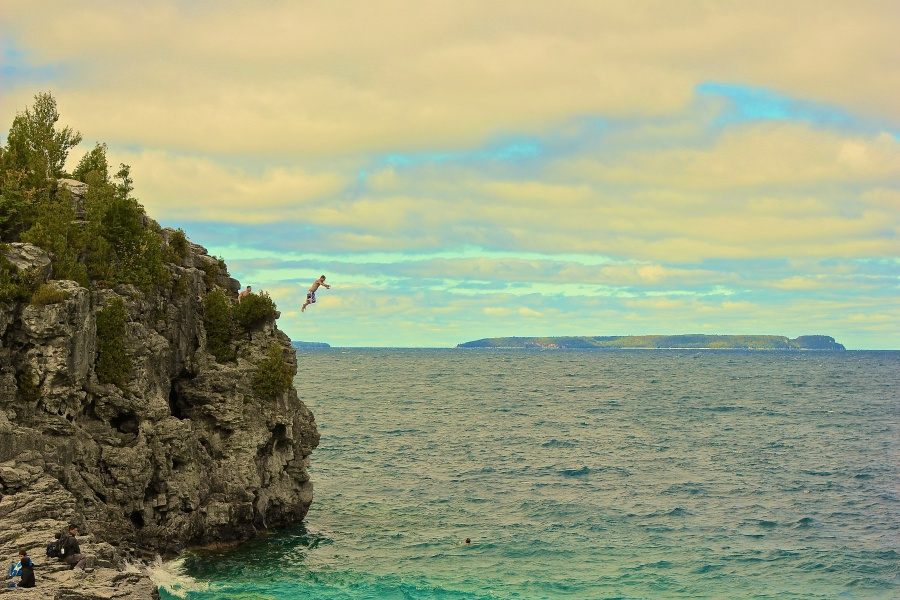 Cliffjumping in Tobermory