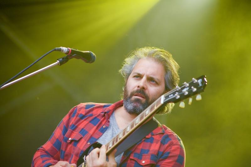 Dan Mangan + Blacksmiths Guitarist