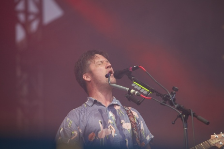 Isaac Brock killing it for Modest Mouse.