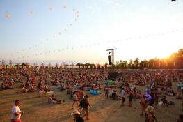 Crowd_Sunset_RyanBolton