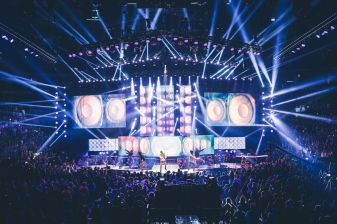 Jason Derulo and the We Day stage.