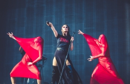 BANKS performing at WayHome Festival
