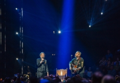 Sarah Harmer and City and Colour honouring the late Gord Downie at JUNO Awards