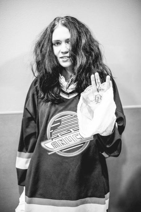 Grimes backstage. A quick protrait.