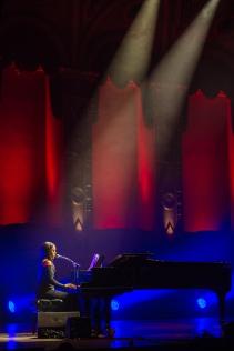 Ruth B performing at JUNOs Singer-Songwriter Circle